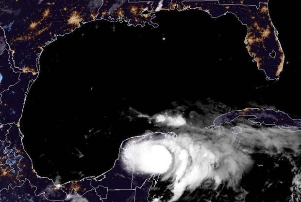 hurricane-grace-over-meixco-yucatan-peninsula-ealry-081921.jpg