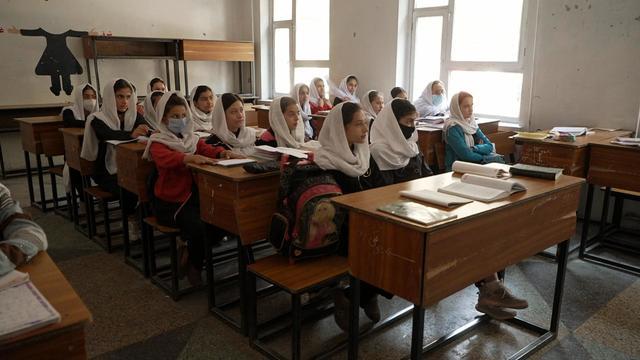 a30-tyab-afghan-girls-4.jpg