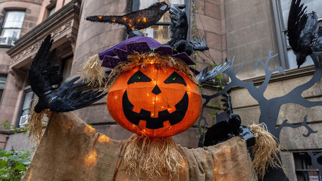 New York City Decorates For Halloween 2021